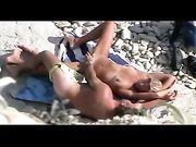 Nackt paar erwischt, die Sex am Strand