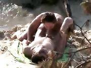 Freund filmt Paar beim Sex am Strand