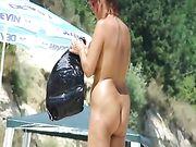 Nudist Frauen am Strand auf FKK-Lager